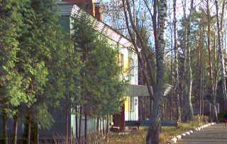 корпус дома престарелых - вид сбоку